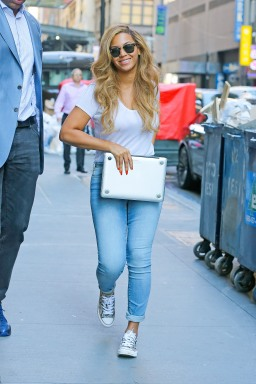 Concrete Catwalk: Beyonce Flashes Her Pearly Whites While Strutting The NYC Streets